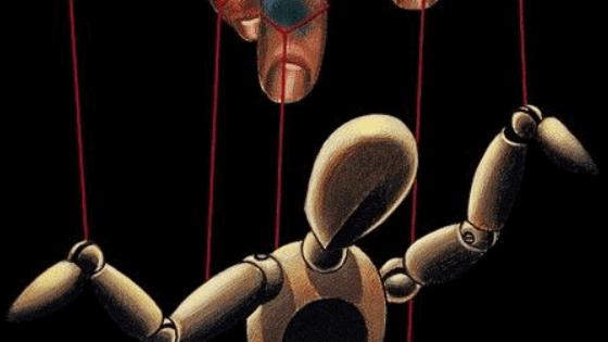 10 Ways To Spot Manipulation & Mind Games