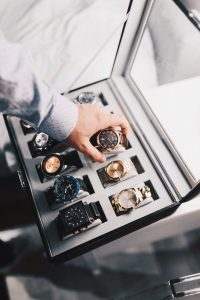 Accessorizing it Right- How To Choose a Watch That Suits You