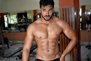 Benefits of core exercises for men at home