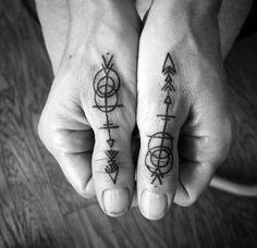Arrow Finger Tattoos for men