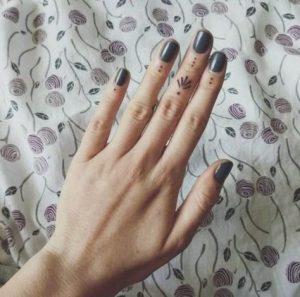 Dot Finger Tattoos for men